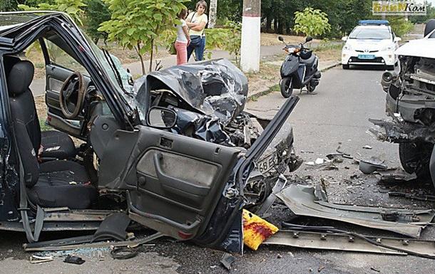 В Николаеве столкнулись Honda и Opel: есть пострадавшие