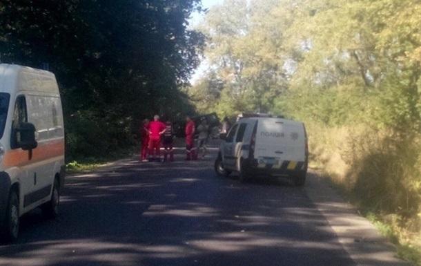 Под Львовом взорвали автомобиль: трое погибших