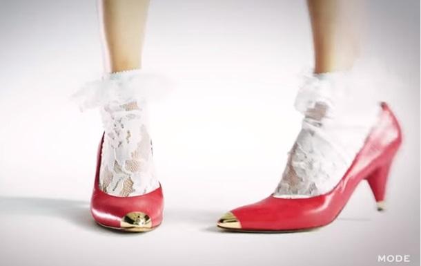 Столетнюю эволюцию моды на каблуки показали в видео