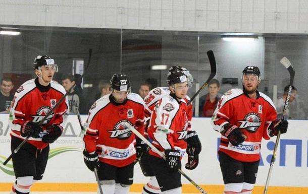 В Украинской Хоккейной лиге осталось шесть команд