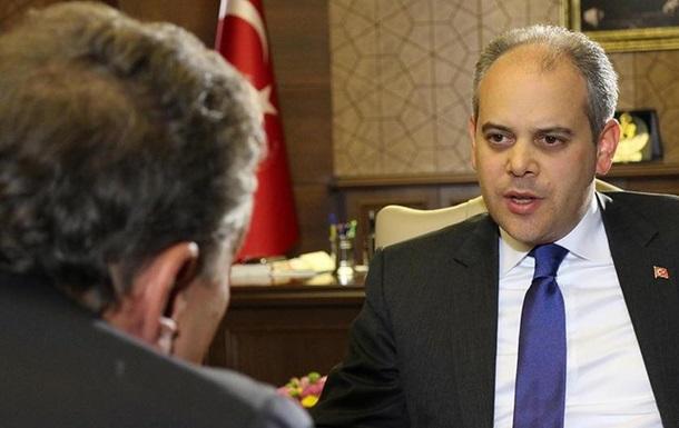 DW: Турецькі чиновники відібрали відеоматеріали після інтерв ю з міністром