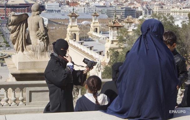 В Барселоне напали на беременную мусульманку