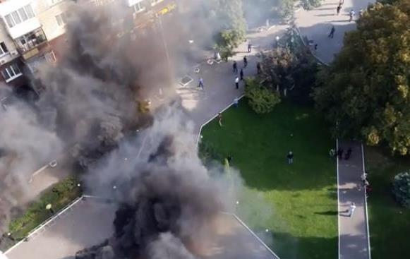 Азовцы заблокировали офис Киевгорстроя