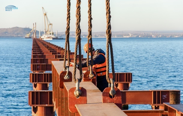 Охранять Керченский мост будут боевые дайверы - СМИ