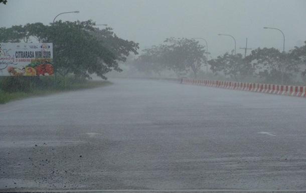 Сильный шторм в Малайзии разрушил более 100 домов