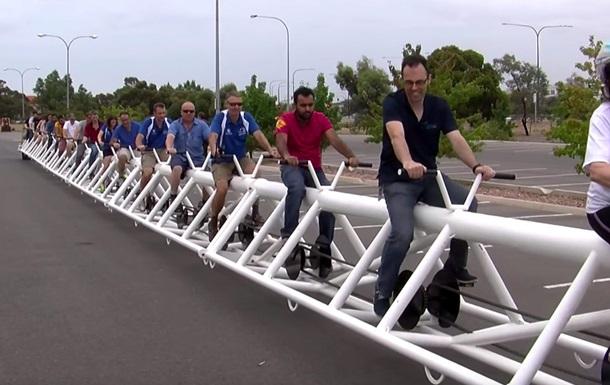 В Австралии изобрели длиннейший велосипед в мире