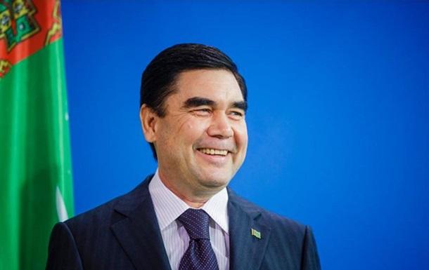Президент Туркменистана разрешил себе править дольше