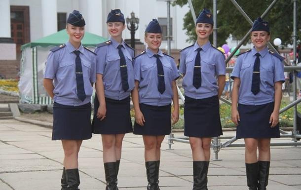 В українській армії служать 17 тисяч жінок