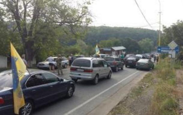 Водители заблокировали пункт пропуска со Словакией