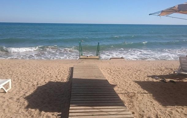 Небархатный сезон: В Сети показали пляжи Крыма
