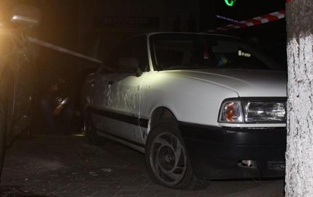 На стоянке у торгового центра в Луцке прогремел взрыв