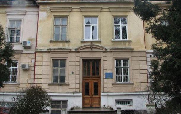 У Львові з психлікарні втекли двоє підозрюваних