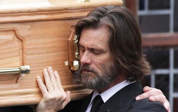 Джим Керри стал ответчиком по иску о смерти подруги от передозировки