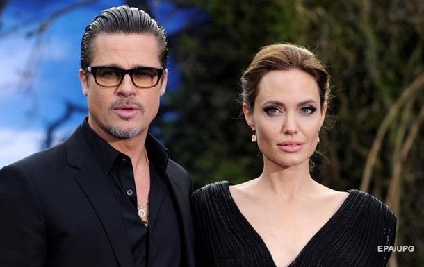 Анджеліна Джолі подала на розлучення з Бредом Піттом