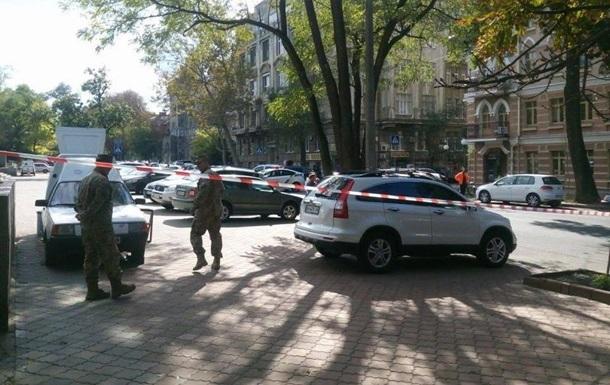 В центре Одессы военные перекрыли дорогу