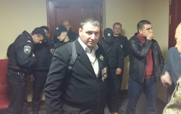 Киевсовет штурмуют из-за скандальной стройки над метро