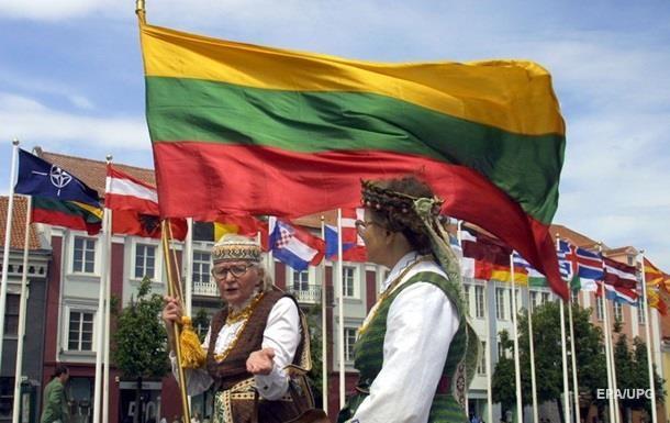 Литву щогодини назавжди залишають п ятеро людей - ЗМІ