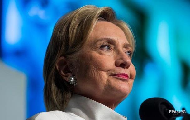 Клинтон в сентябре собрала рекордную сумму на предвыборную кампанию