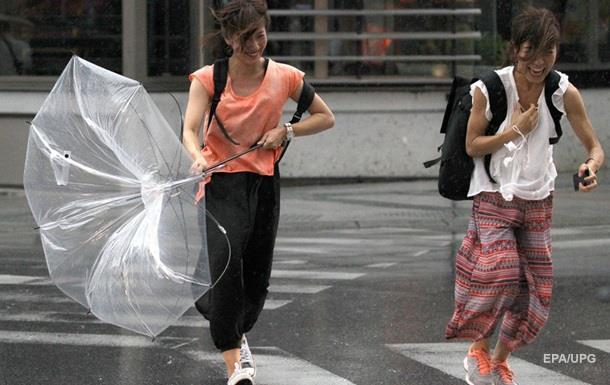 У Японії через тайфун евакуювали півмільйона людей