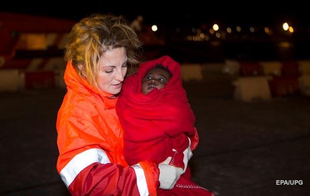 В Средиземном море спасли почти две тысячи нелегалов