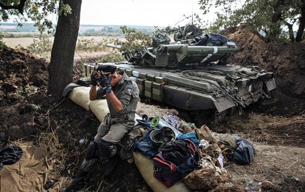 Сутки в АТО: один военный погиб, двое ранены