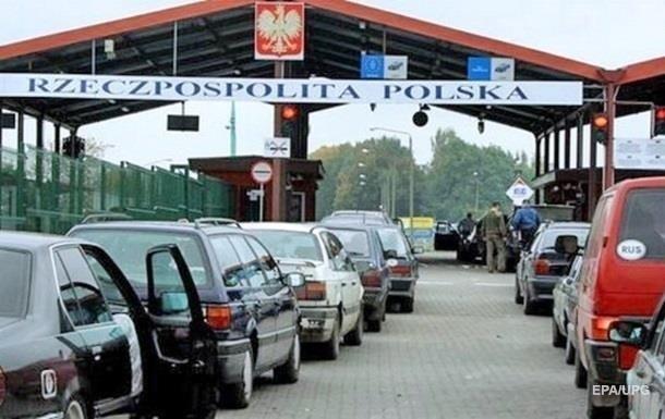В очередях на границе с Польшей почти тысяча автомобилей