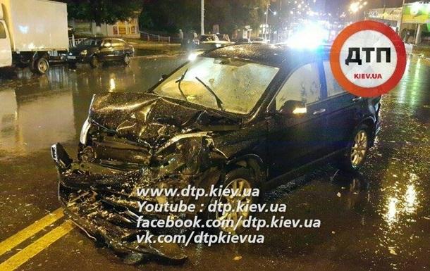 В Киеве водитель Volvo разбил шесть машин