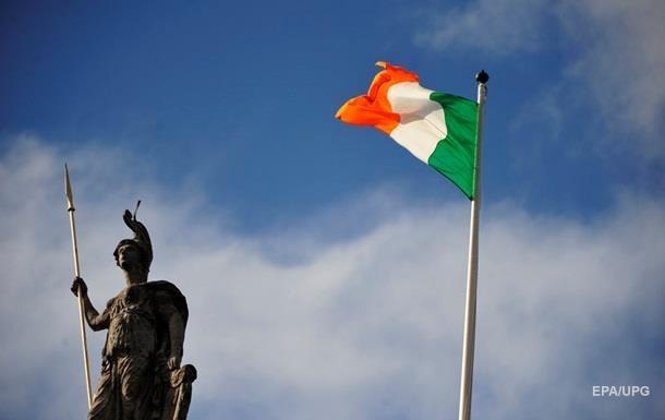 Британия хочет перенести контроль над мигрантами на границу Ирландии