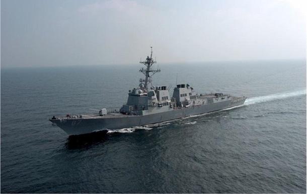 Есмінець США знову обстріляли біля Ємену