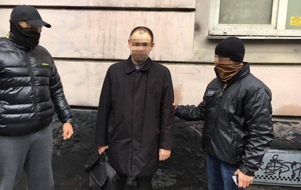 Львовского прокурора задержали на взятке в $2 тысячи