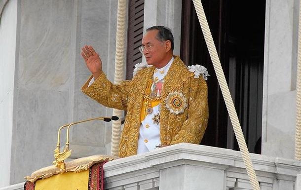 Помер монарх, котрий правив найдовше у світі