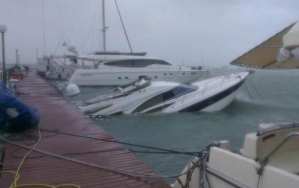В Одессу ураган, Саакашвили в Барселону...