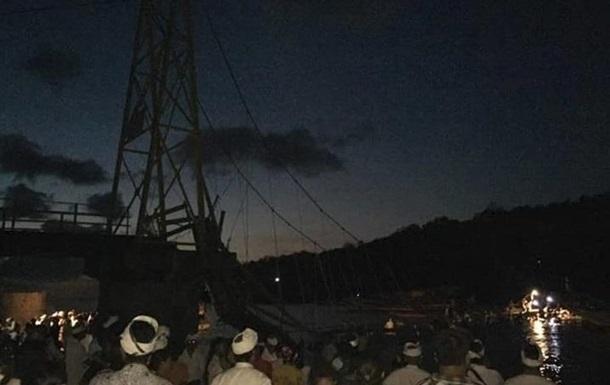 Обвал моста на Бали: восемь жертв, более 30 раненых