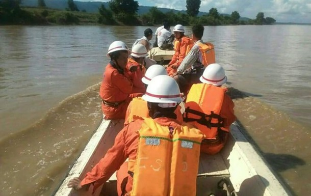 Аварія порома в М янмі: понад 30 загиблих