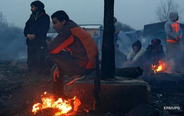 Мигранты изнасиловали переводчицу в лагере Кале