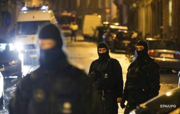 В Бельгии мужчина с ножом захватил заложников