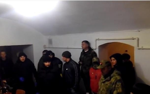 Радикалы сорвали показ фильма о ЛГБТ в Черновцах