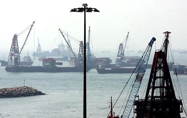 В Китае взорвался танкер с нефтью