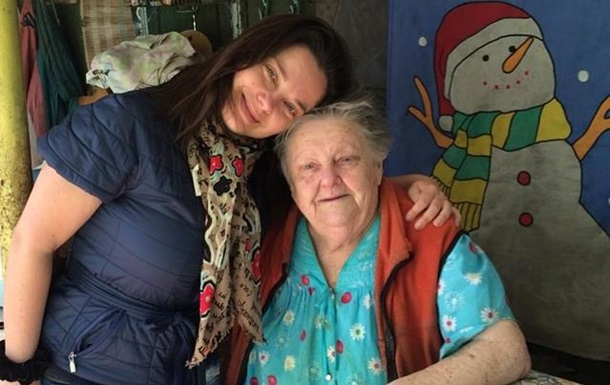 Наташа Королева и бабушка