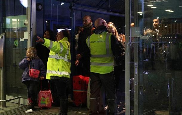 Лондонский аэропорт эвакуировали из-за признаков утечки химикатов