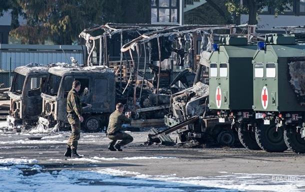 В Германии сгорели 15 военных грузовиков
