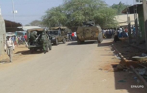 В Кении при нападении на гостиницу погибли 12 человек