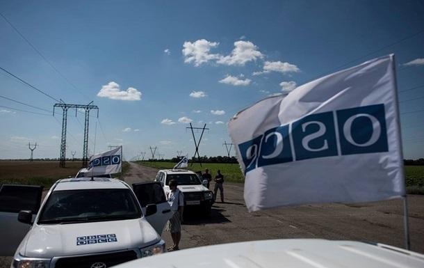 У Донецка автомобиль ОБСЕ попал под обстрел