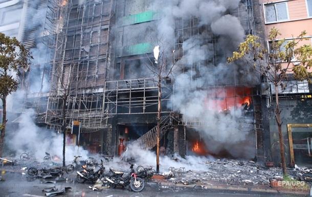 Во Вьетнаме горел караоке-бар: десятки погибших