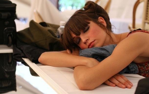Недосипання призводить до переїдання – вчені
