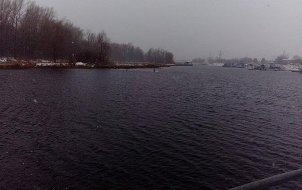 В России после парада в реку упал самолет