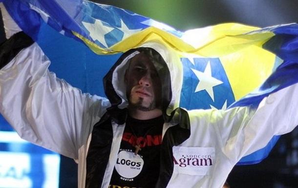 Суперник Усика відмовився від бою з українцем