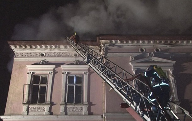 На Львовщине горел старинный дворец графа Бадени
