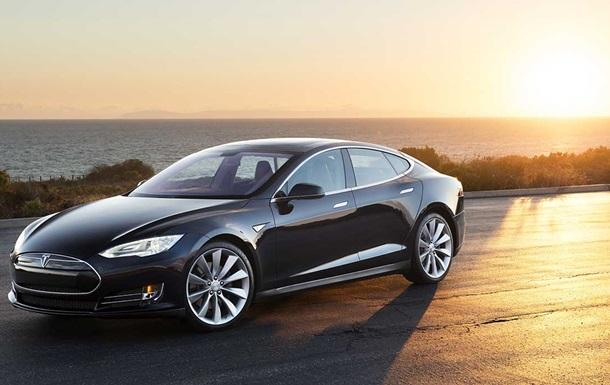 Tesla превратит крыши электрокаров в солнечные батареи