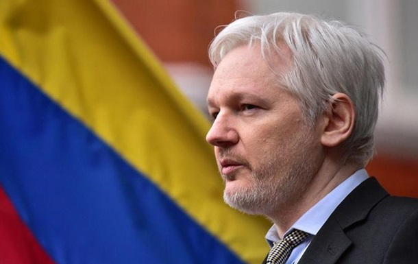 Прокурори допитали Ассанжа в посольстві Еквадору